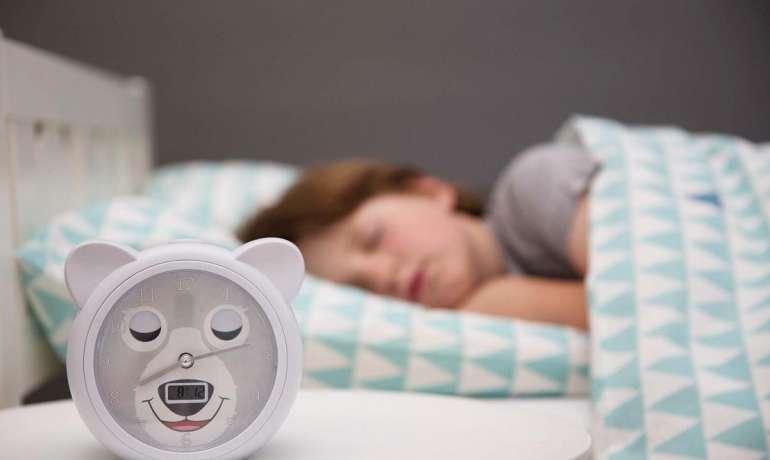 Mikor is kellene lefeküdnie és mennyit kéne aludnia egy gyereknek?